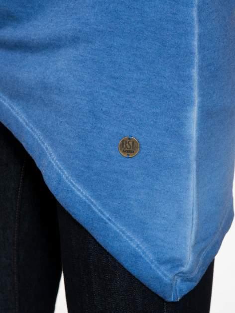 Niebieska bluza z koronkową wstawką na plecach                                  zdj.                                  9