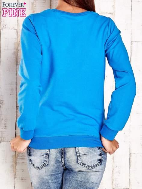 Niebieska bluza z napisem CITY GIRL                                  zdj.                                  2