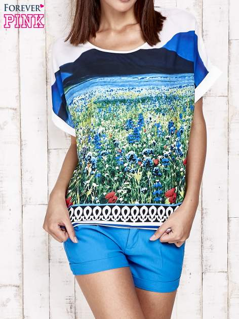 Niebieska bluzka koszulowa z nadrukiem łąki                                   zdj.                                  1
