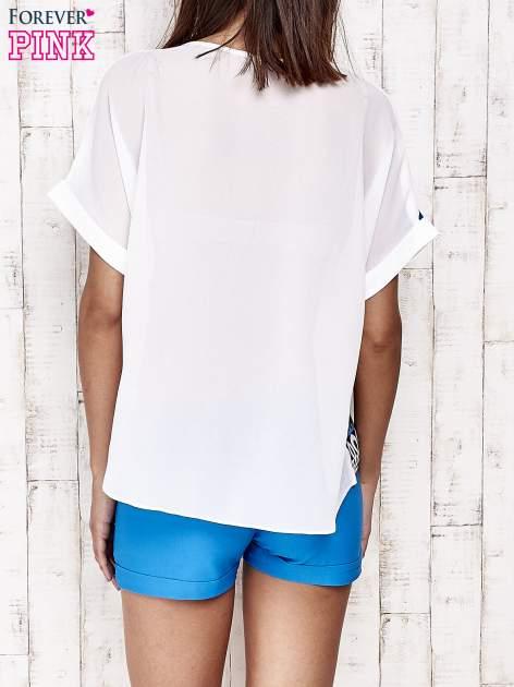 Niebieska bluzka koszulowa z nadrukiem łąki                                   zdj.                                  4