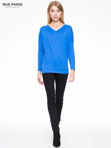 Niebieska bluzka z wiązanym oczkiem z tyłu                                  zdj.                                  2