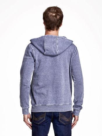 Niebieska dekatyzowana bluza męska z asymetrycznymi suwakami                              zdj.                              2