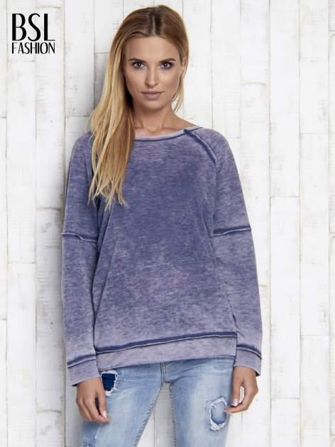 Niebieska dekatyzowana bluza z surowym wykończeniem                                  zdj.                                  3