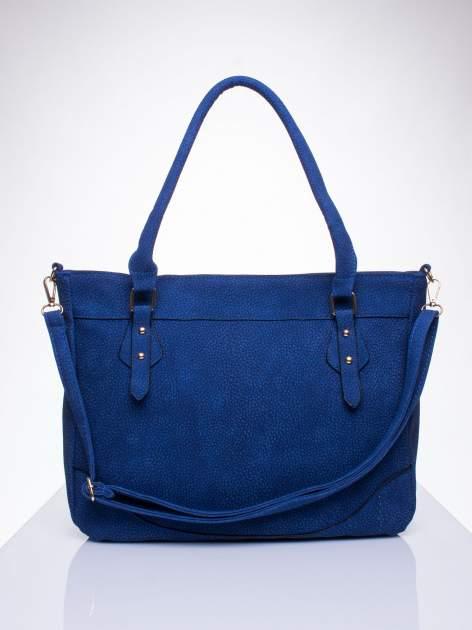 Niebieska fakturowana torba miejska z odpinanym paskiem                                  zdj.                                  1