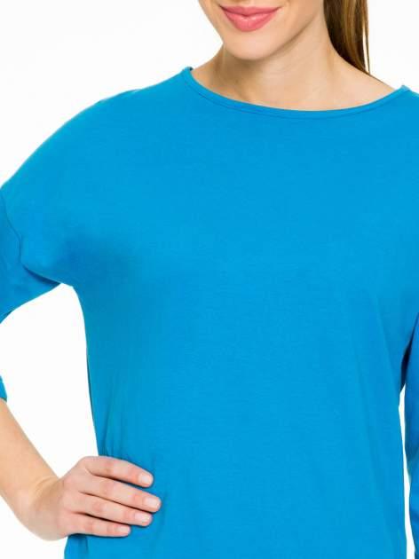 Niebieska gładka bluzka z luźnymi rękawami 3/4                                  zdj.                                  5