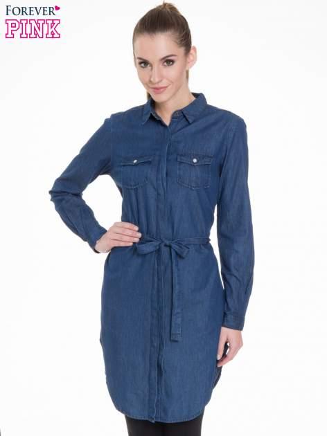 Niebieska jeansowa sukienka typu szmizjerka