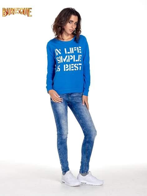 Niebieska klasyczna bluza damska z napisem IN LIFE SIMPLE IS BEST                                  zdj.                                  2