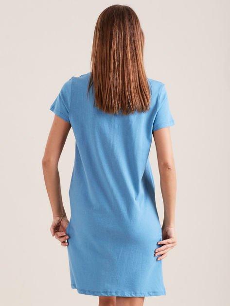 Niebieska koszula nocna z nadrukiem                              zdj.                              2