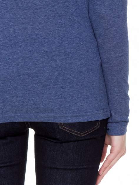 Niebieska melanżowa gładka bluzka z reglanowymi rękawami                                  zdj.                                  6