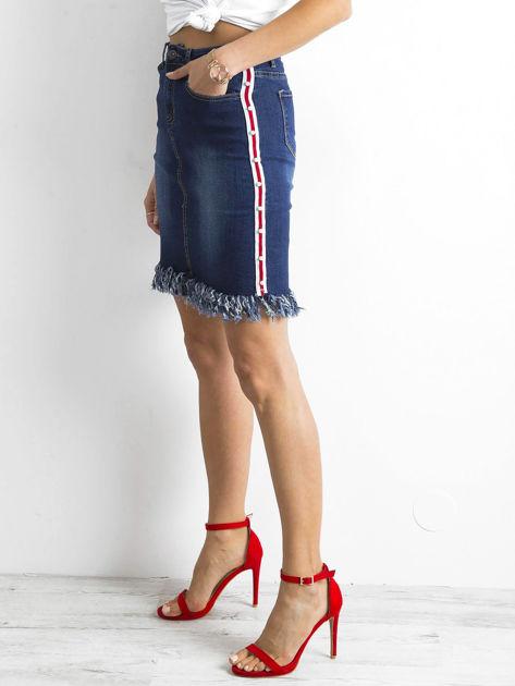 Niebieska spódnica jeansowa z lampasami                              zdj.                              3