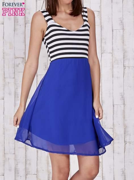 Niebieska sukienka z górą w paski