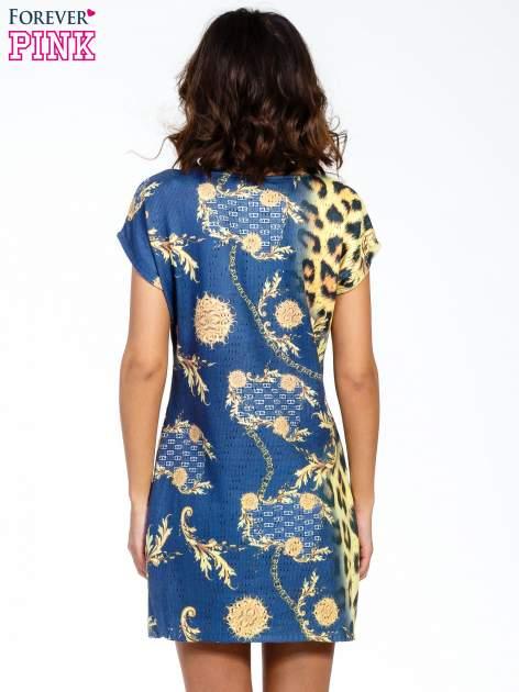 Niebieska sukienka z panterkowym nadrukiem                                  zdj.                                  2