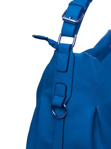 Niebieska torebka hobo na ramię                                  zdj.                                  3