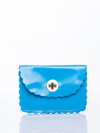 Niebieska torebka listonoszka z falowanym wykończeniem                                  zdj.                                  1