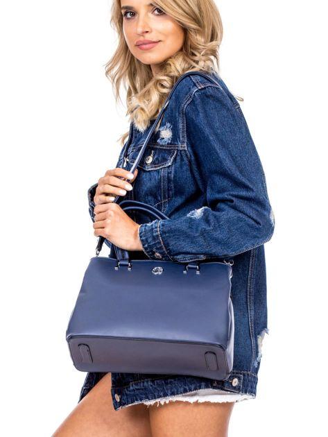 Niebieska trapezowa torebka kuferek do ręki                              zdj.                              1