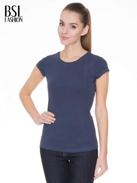 Niebieski bawełniany t-shirt damski z okrągłym dekoltem                              zdj.                              1