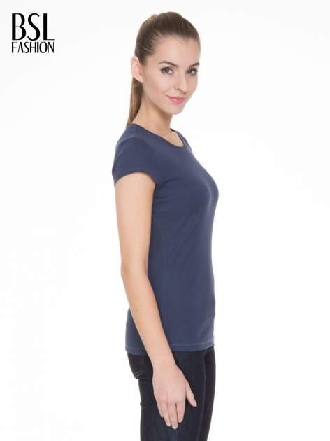 Niebieski bawełniany t-shirt damski z okrągłym dekoltem                                  zdj.                                  3