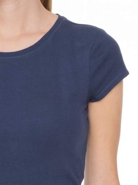 Niebieski bawełniany t-shirt damski z okrągłym dekoltem                                  zdj.                                  7