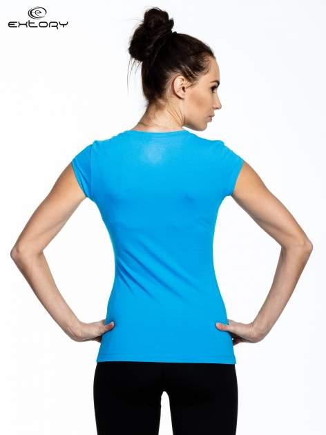 Niebieski damski t-shirt sportowy basic                                  zdj.                                  3