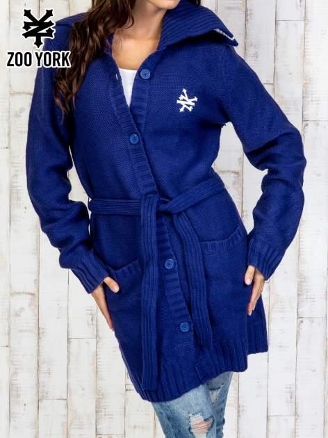 Niebieski długi sweter z wiązaniem                                  zdj.                                  1