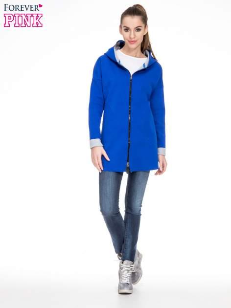 Niebieski dresowy płaszcz oversize z kapturem                                  zdj.                                  2