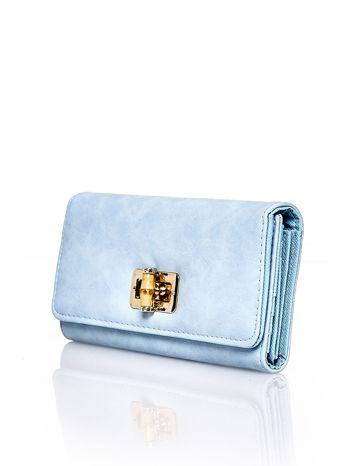 Niebieski fakturowany portfel ze stylizowanym zapięciem                                   zdj.                                  3
