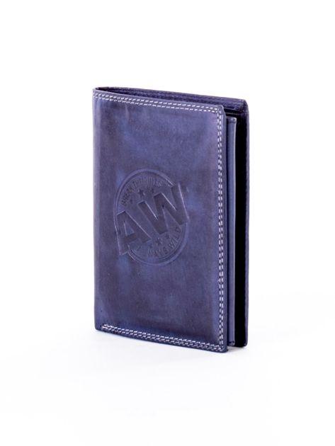 Niebieski skórzany portfel z okrągłym tłoczonym emblematem                              zdj.                              3