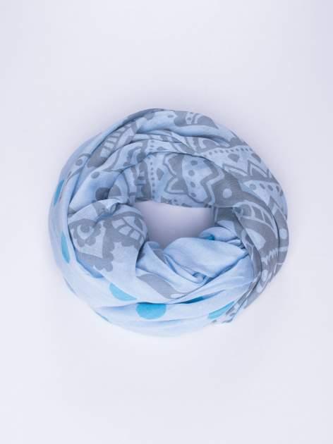 Niebieski szal w aztecki wzór i grochy                                  zdj.                                  1