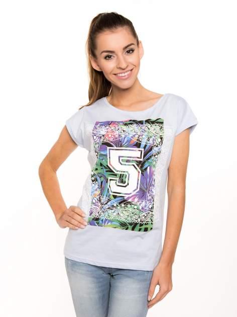 Niebieski t-shirt hipster z numerkiem                                  zdj.                                  5