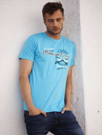 Niebieski t-shirt męski z nadrukiem napisów w sportowym stylu                                  zdj.                                  1