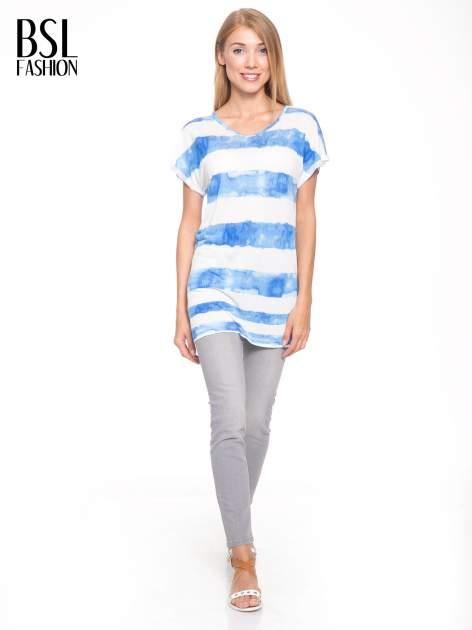 Niebieski t-shirt w paski tie-dye                                  zdj.                                  5
