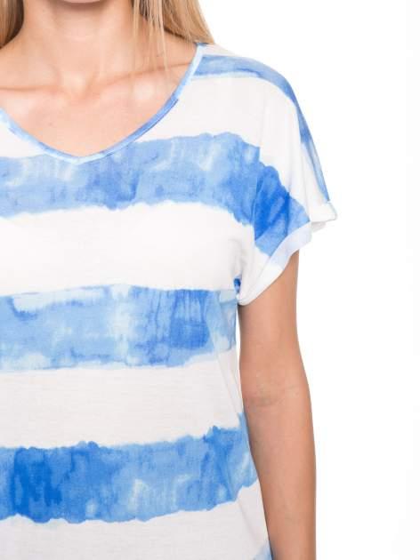 Niebieski t-shirt w paski tie-dye                                  zdj.                                  7