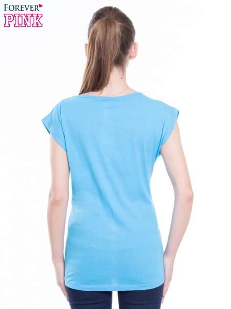 Niebieski t-shirt z nadrukiem FLAMINGO MOTEL                                  zdj.                                  3