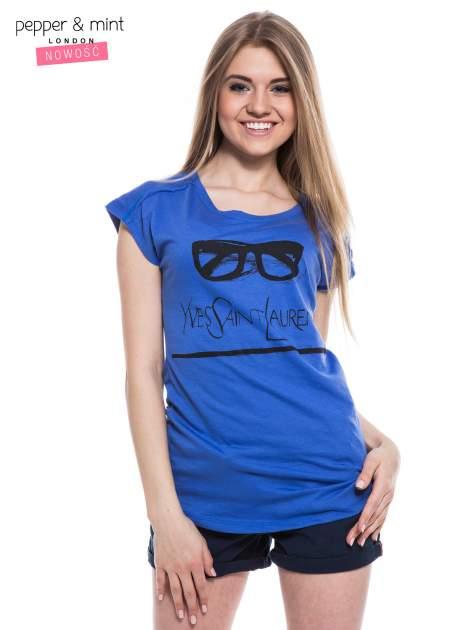 Niebieski t-shirt z nadrukiem YVES SAINT LAURENT                                  zdj.                                  2