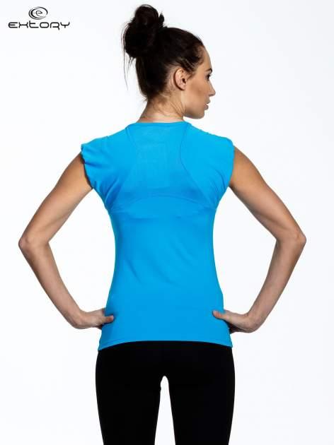 Niebieski top sportowy z szerokimi ramiączkami                                  zdj.                                  3
