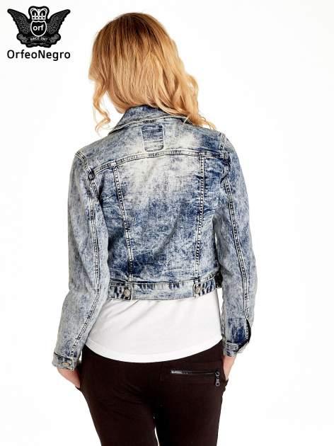 Niebieskia kurtka jeansowa damska marmurkowa z kieszeniami                                  zdj.                                  4