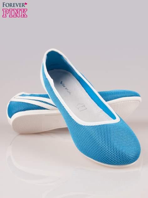 Niebieskie baleriny Nicki z paskami w sportowym stylu                                  zdj.                                  4