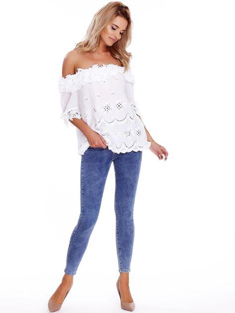 Niebieskie denimowe spodnie high waist                              zdj.                              4