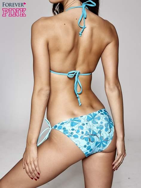 Niebieskie figi kąpielowe w kwiaty wiązane po bokach                                  zdj.                                  5