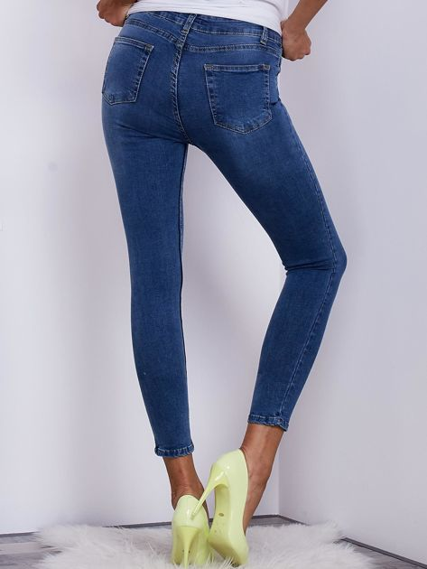 Niebieskie jeansowe rurki ze stretchem                              zdj.                              2