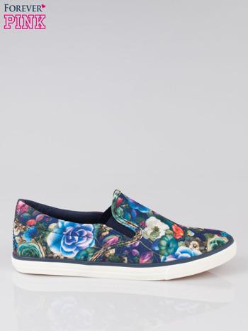 Niebieskie kwiatowe buty slipony