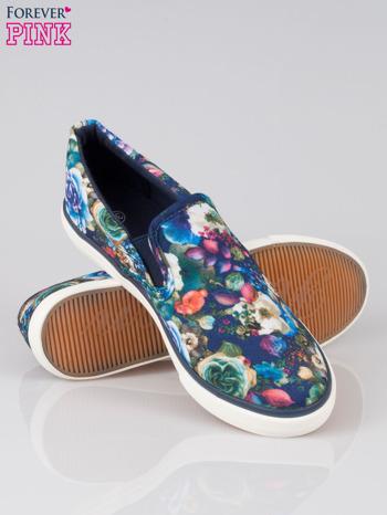 Niebieskie kwiatowe buty slipony Claireen                                  zdj.                                  4