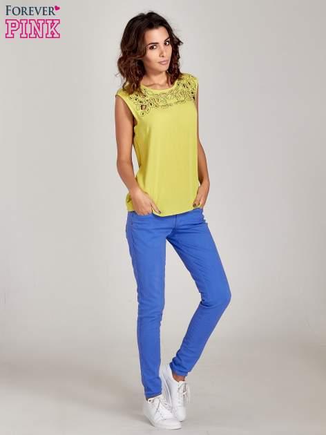 Niebieskie spodnie jeansowe rurki                                  zdj.                                  8
