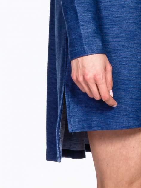 Niebieskie sukienka oversize z materiału a'la denim                                  zdj.                                  6