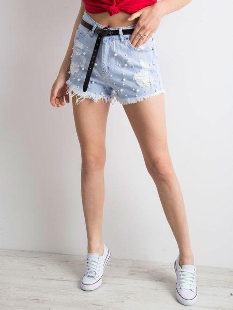 Niebieskie wystrzępione jeansowe szorty z perełkami                              zdj.                              2