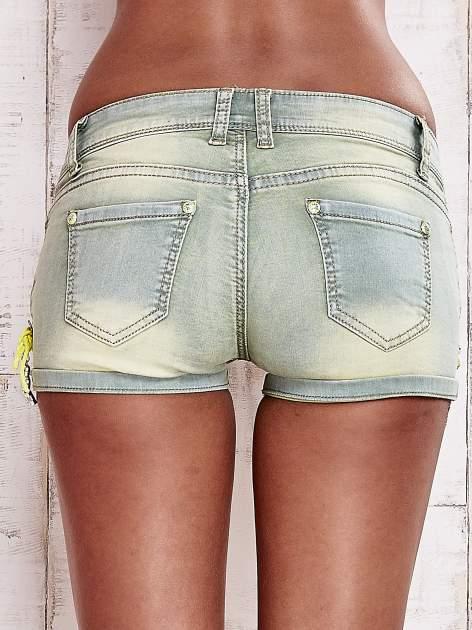 Niebieskozielone szorty jeansowe z muszelkami                                  zdj.                                  2