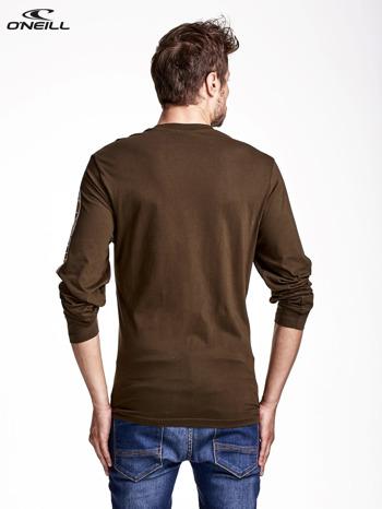 O'NEILL Oliwkowa bluzka męska z nadrukiem na rękawie