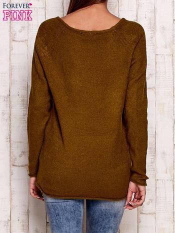 Oliwkowy dzianinowy sweter                                   zdj.                                  4