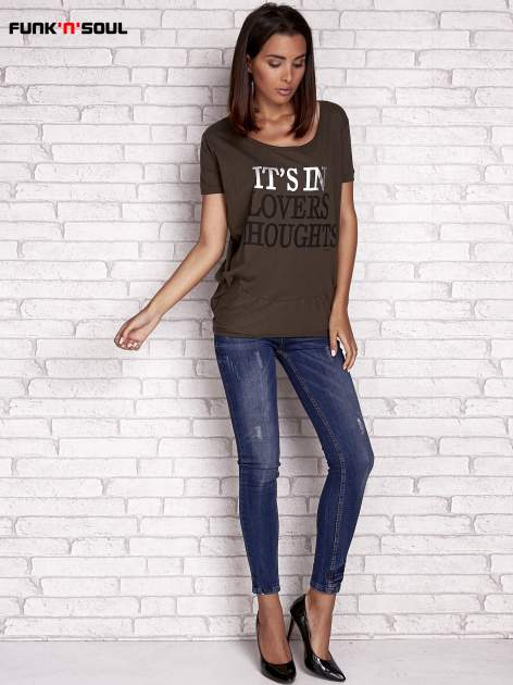 Oliwkowy t-shirt z napisem IT'S IN LOVERS THOUGHTS Funk n Soul                                  zdj.                                  2