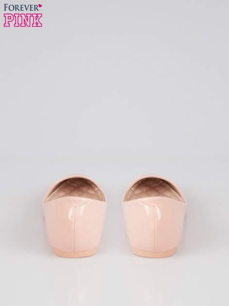 Pasteloworóżowe lakierowane balerinki pumps Miami                                  zdj.                                  3